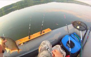 Особенности ловли леща с лодки бортовой удочкой